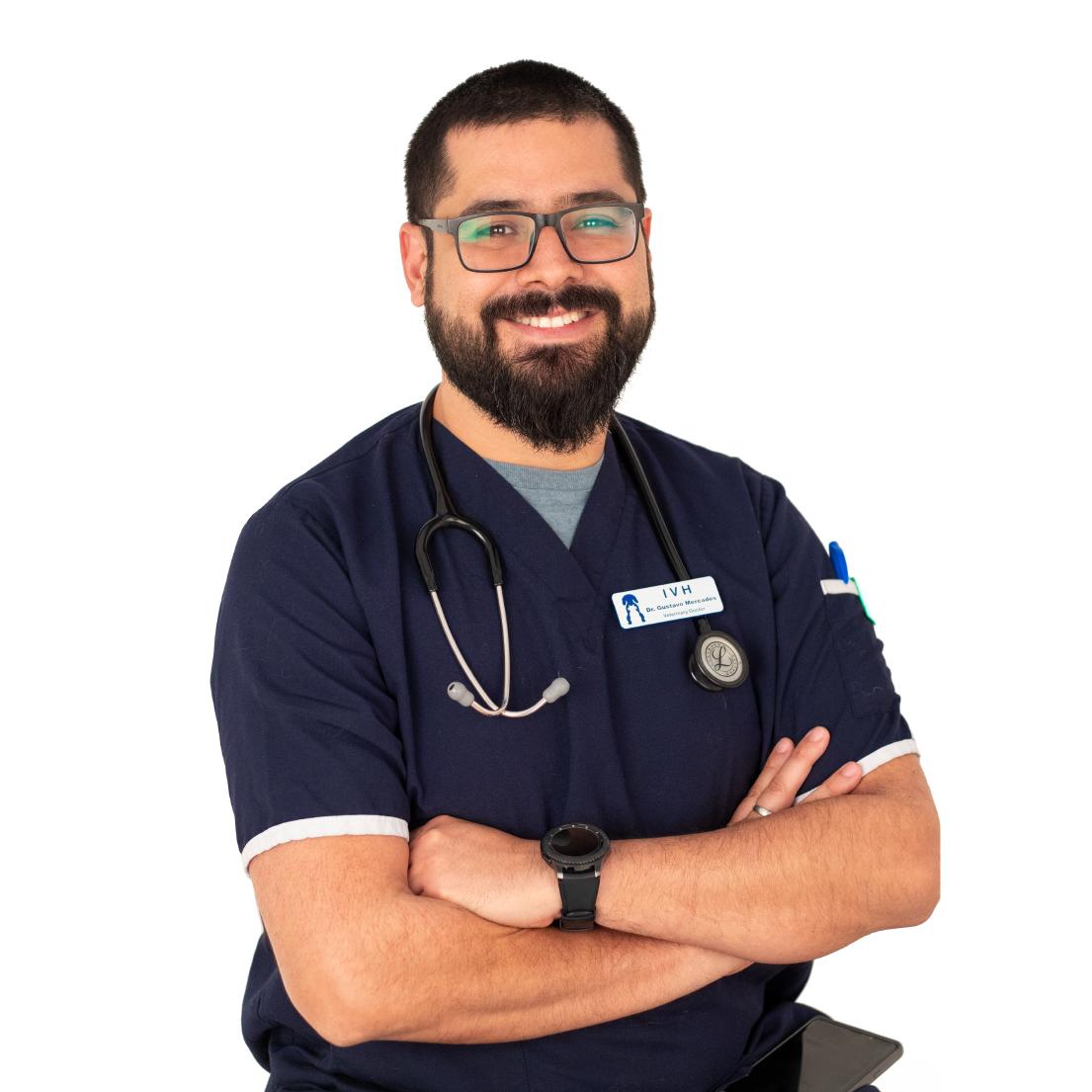 Dr. Gustavo Mercades